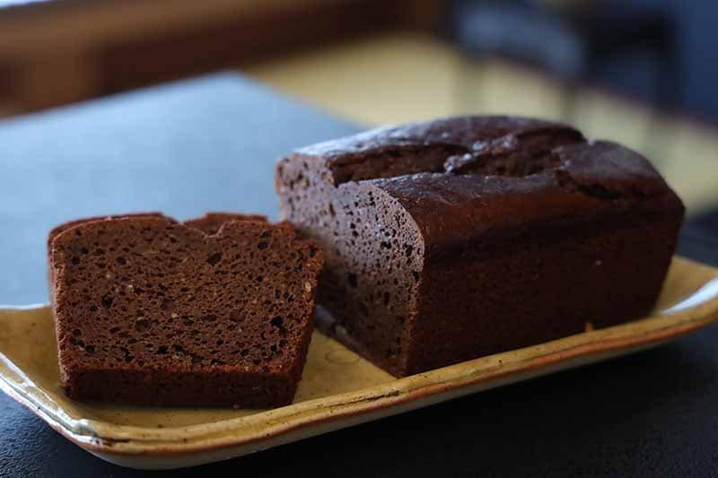 パウンドケーキ黒